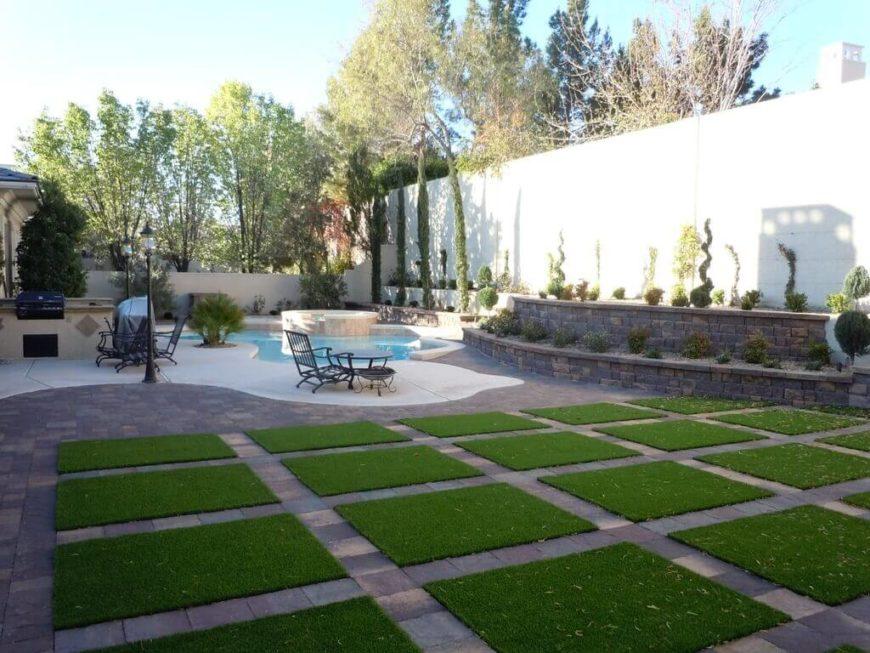 27 Amazing Backyard Astro Turf Ideas on Turf Backyard Ideas id=44693
