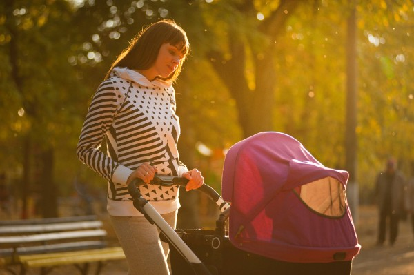 Running With a Jogging Stroller: 8 Tips To Keep Kids Cozy & Safe