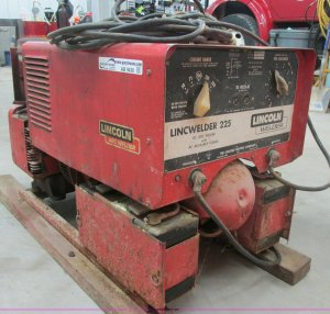 Lincoln Lincwelder 225 weldergenerator | Item AB9430 | SOLD