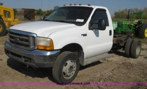 1999 Ford F550 Super Duty XL cab and chassis   Item H9479