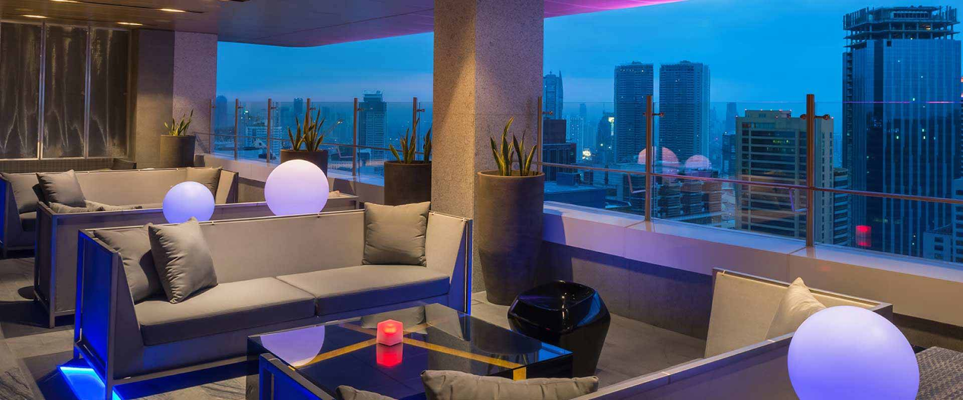 Vus Sky Bar And Lounge Restaurants Amp Bars Marco Polo