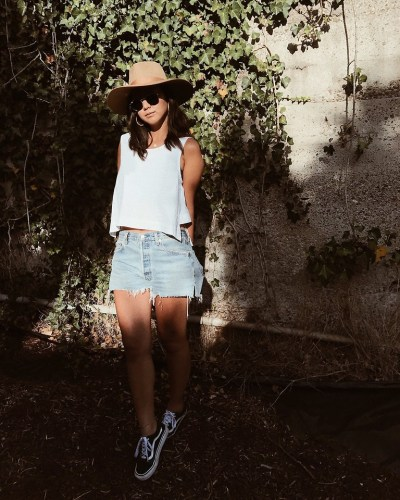 Fashionista NOW: How To Kill It In A Pair Of Denim Blue Shorts?