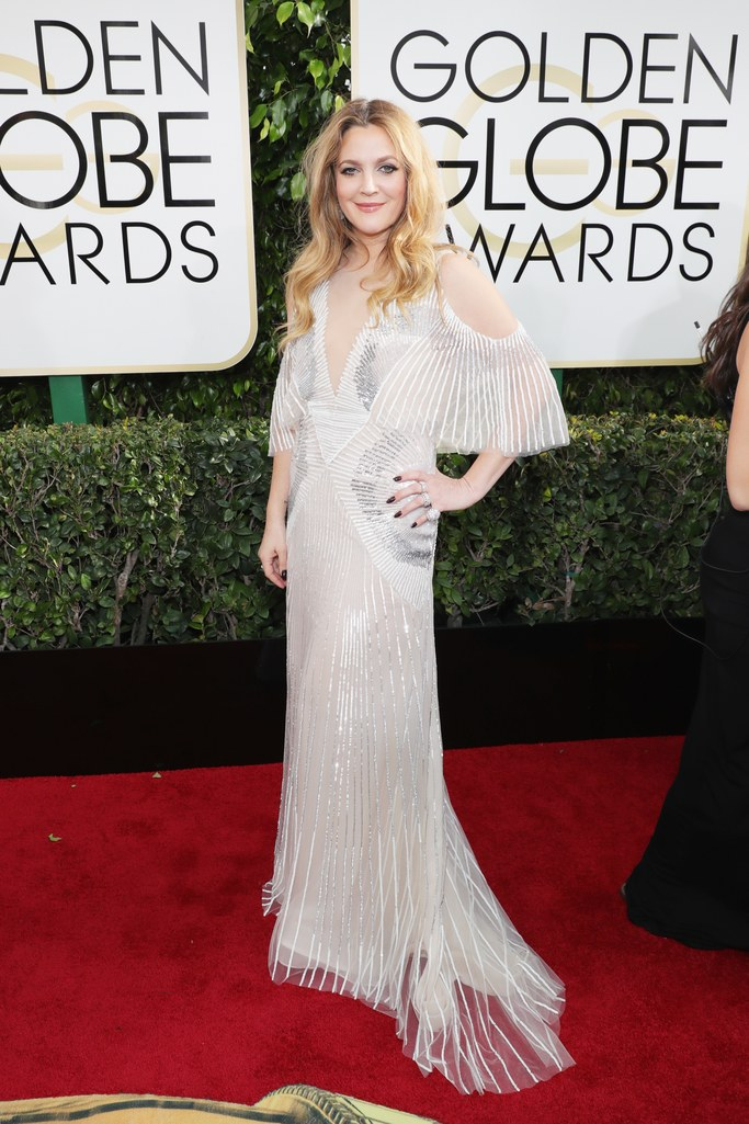 2017 Golden Globes Red Carpet: Drew Barrymore in Monique Lhuillier