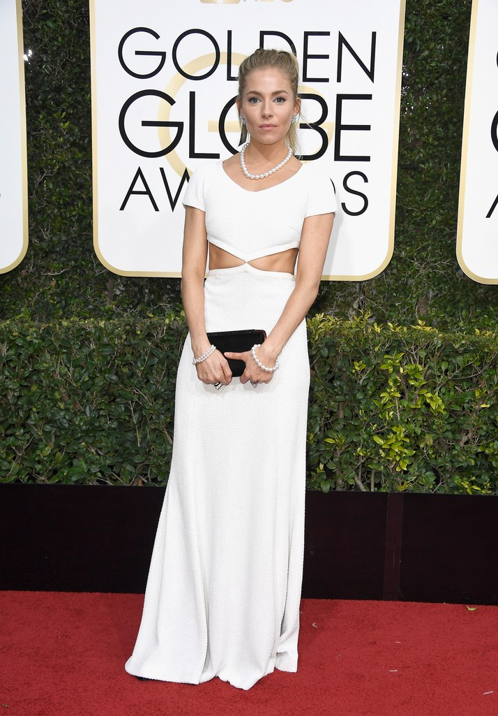 2017 Golden Globes Red Carpet: Sienna Miller in Michael Kors Collection