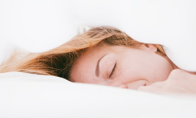 How To Fall Asleep Fast Using These Beauty Products