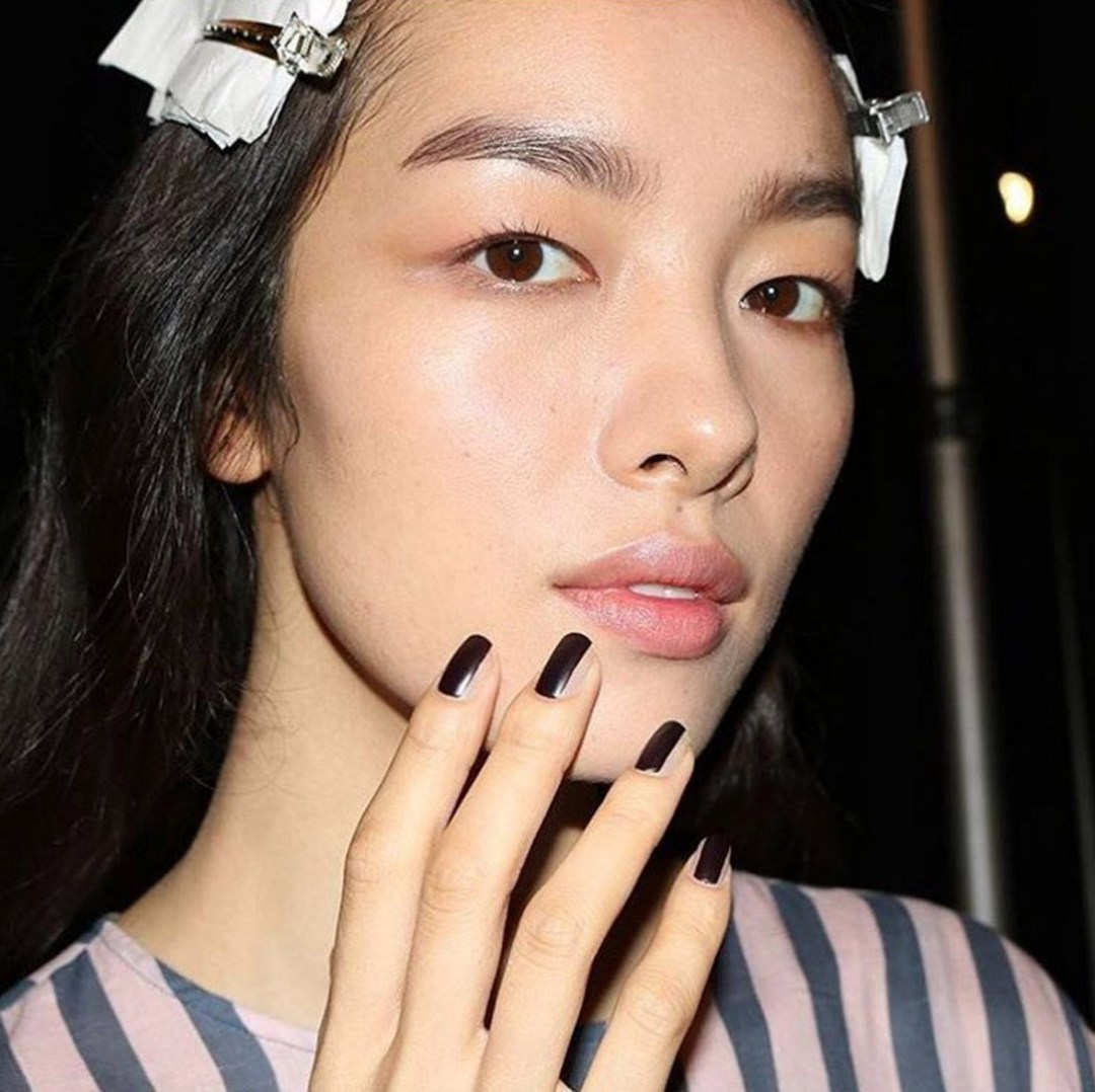 Summer Nail Color Trend From Runway-Black Accents