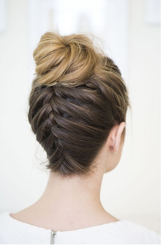 Hair tips - Top Knot With Braided Twist