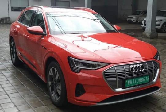 Audi e-Tron एसयूवी भारत में जल्द होगी लॉन्च, शोरूम पर आई नजर