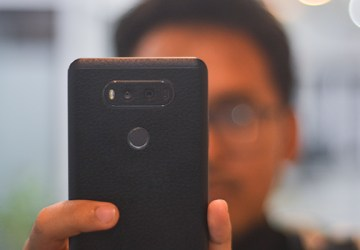 ponsel dual kamera