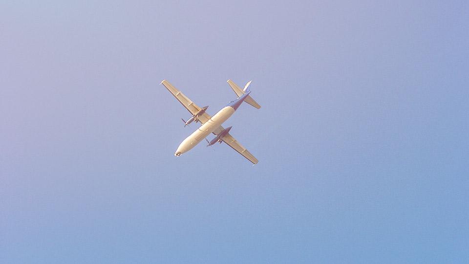 Bepergian dengan Pesawat? Ini Cara Mengurangi Jejak Karbon