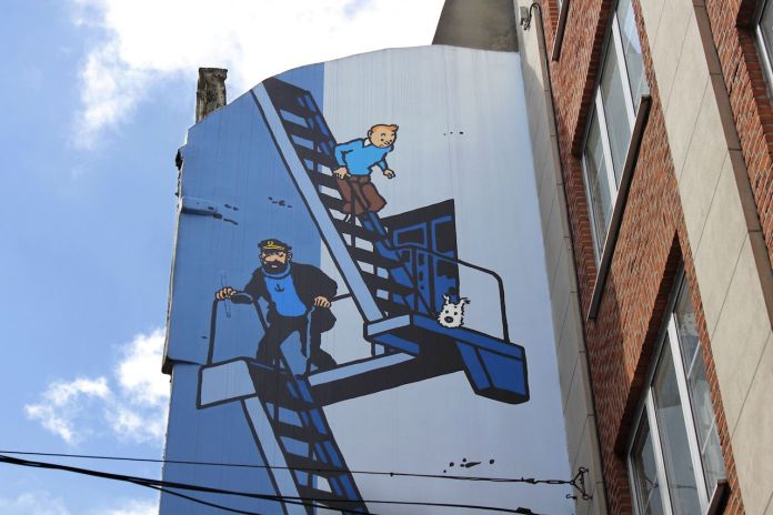 Comic strip mural painting in Brussels