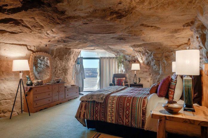 Kokopelli's Cave, New Mexico