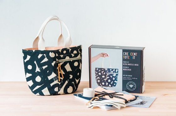 Crescent Tote Cotton Linen Canvas Kit by Anna Graham