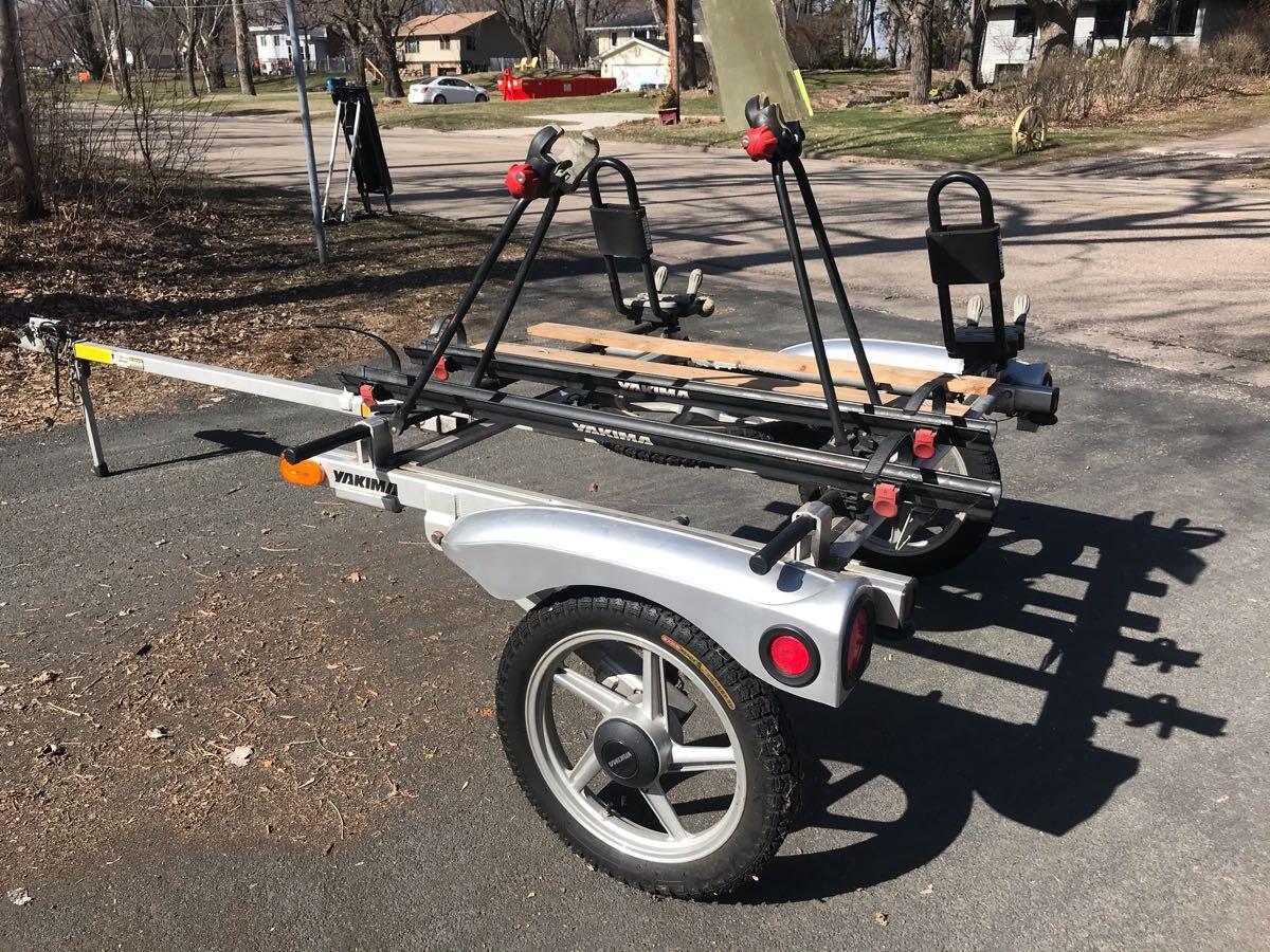 2200 yakima rack roll trailer