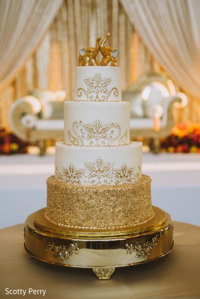 Exquisite Indian Wedding Cake Design Photo 104159