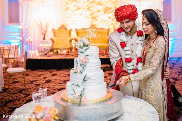 Pakistani wedding cake cutting    Photo 144032 Pakistani wedding cake cutting