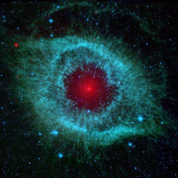Comets Kick up Dust in Helix Nebula