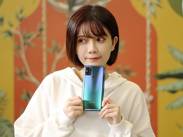 中華電信4G吃到飽699購機方案加入網內通話免費- SOGI手機王