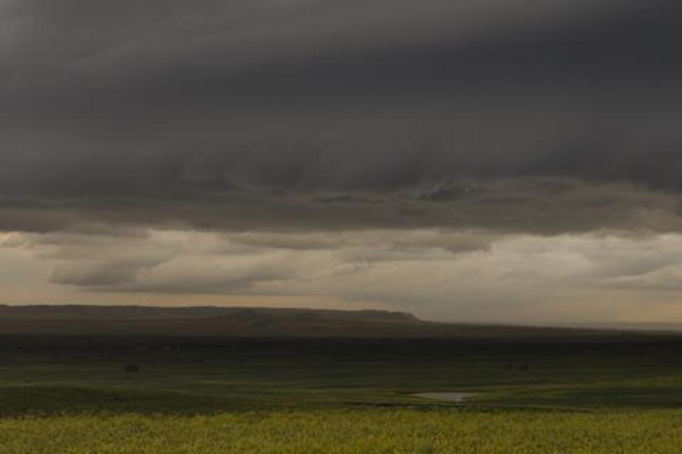 Prairie_Pictures_PRAIRIE_WIND_16K_HDR_sample_still_Crawford_supercell_text