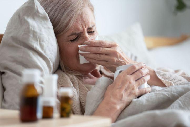 Las personas que han sufrido un el resfriado en el pasado podrían estar protegidas contra COVID-19, estudio