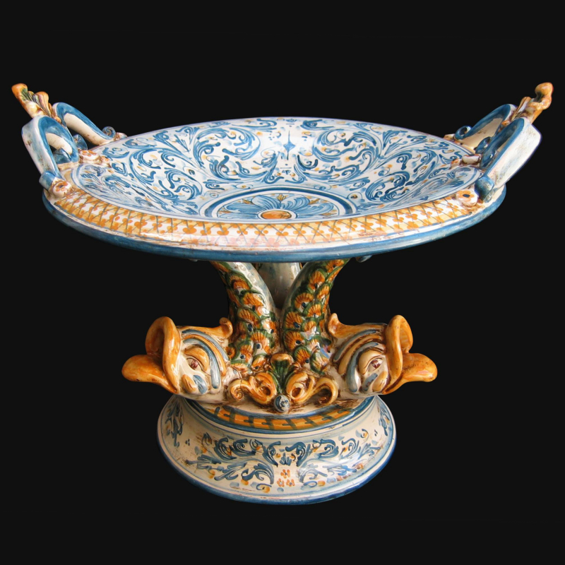 Queste alzate e questi centrotavola artigianali in ceramica artistica siciliana rendono caratteristico ogni ambiente, dal moderno al classico; Alzata In Ceramica Artistica Di Caltagirone Con Piede Marino