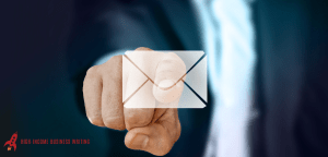 #237: Is Warm Email Prospecting Still Effective?