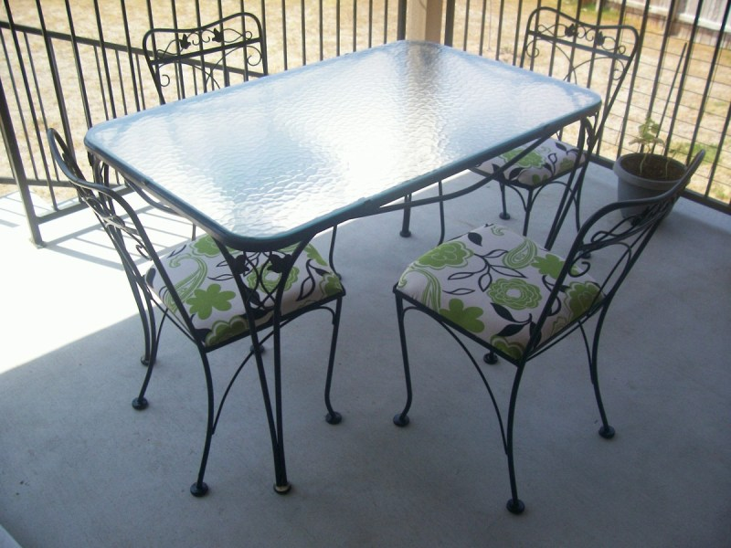 Salterini  5 piece wrought iron patio table and chairs   Collectors     5 piece wrought iron patio table and chairs   Collectors Weekly