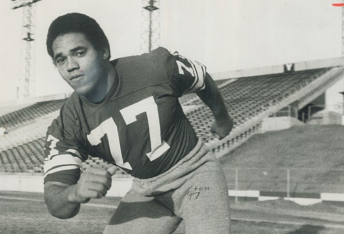 Buffalo's loss is Stampeders' gain. John Helton; one of Stampeders' front four; would be in NFL now if Bills had made him their first draft choice in 1969.