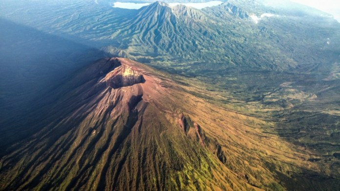 10 Indonesian Volcanos To Hike A Complete Guide Bookmundi