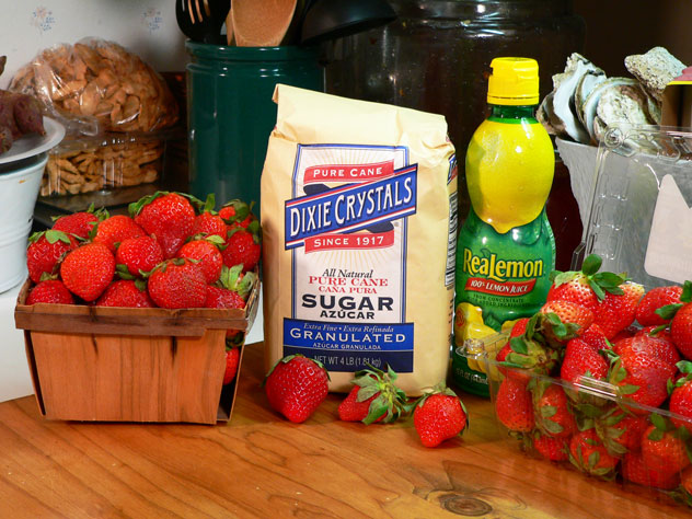 Strawberry syrup recipe:  You'll need these ingredients.