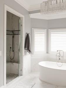 andrew-roby-bath