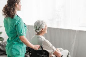 Suite logique du «mon corps, mon choix»: l'euthanasie devrait être libéralisée pour décharger les femmes du fardeau des personnes souffrantes…