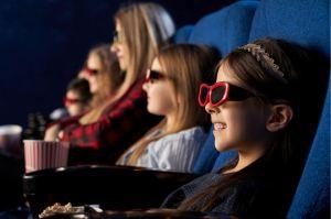 Confinement au Québec : 250 personnes au cinéma, mais seulement 10 à la messe…
