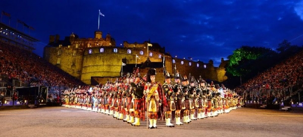 Scottish Highlands Day Trip w/ Whisky Distillery Tour and Edinburgh Military Tattoo