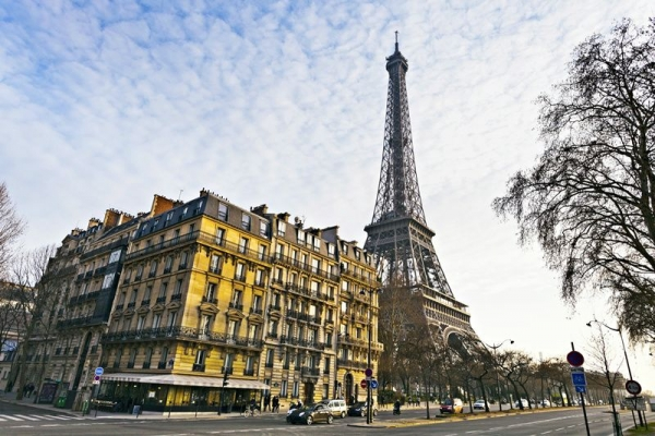 Guided Day Trip to Paris on the Eurostar w/ City Tour and River Cruise