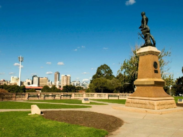 Adelaide Sightseeing Tour w/ River Cruise & Adelaide Hills