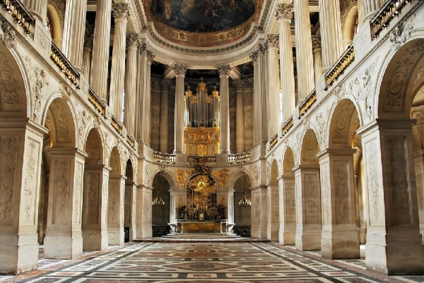 10-Day Western Europe Tour: Brussels - Paris - London - Edinburgh