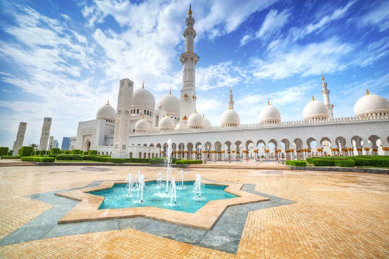 Sheikh Zayed Mosque and Ferrari World Abu Dhabi Tour From Dubai