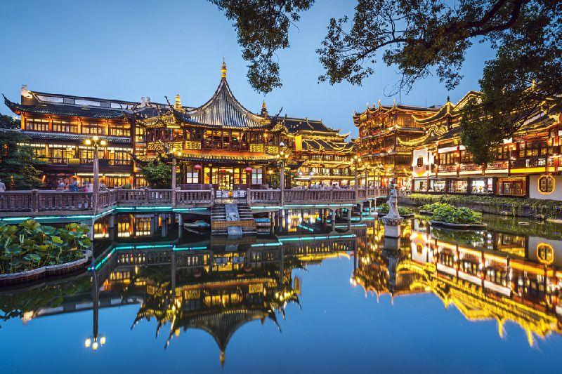 2-Day Shanghai Tour: The Bund, Yu Garden and Jinmao Tower