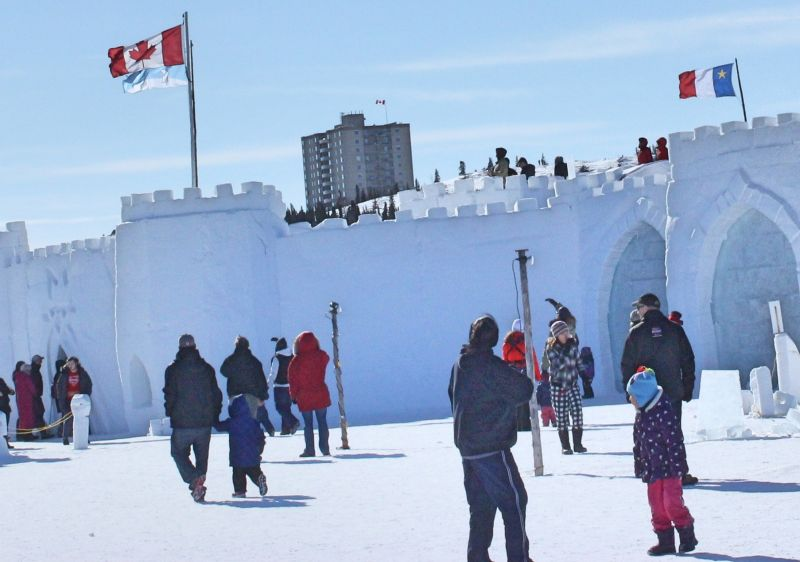 4-Day Grand Yellowknife Northern Lights Tour Package