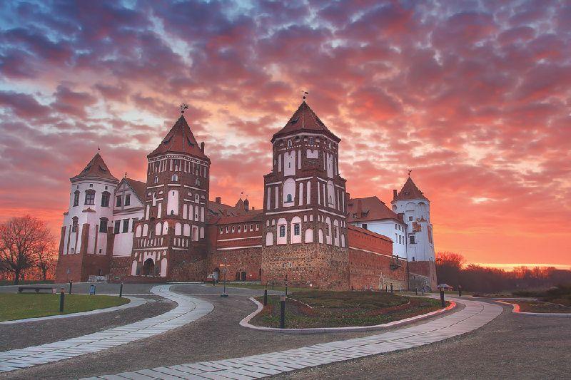 11-Day Belarus and Baltic Explorer Tour: Minsk to Tallinn