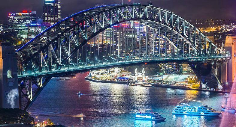 Vivid Sydney Dinner and Drinks Cruises