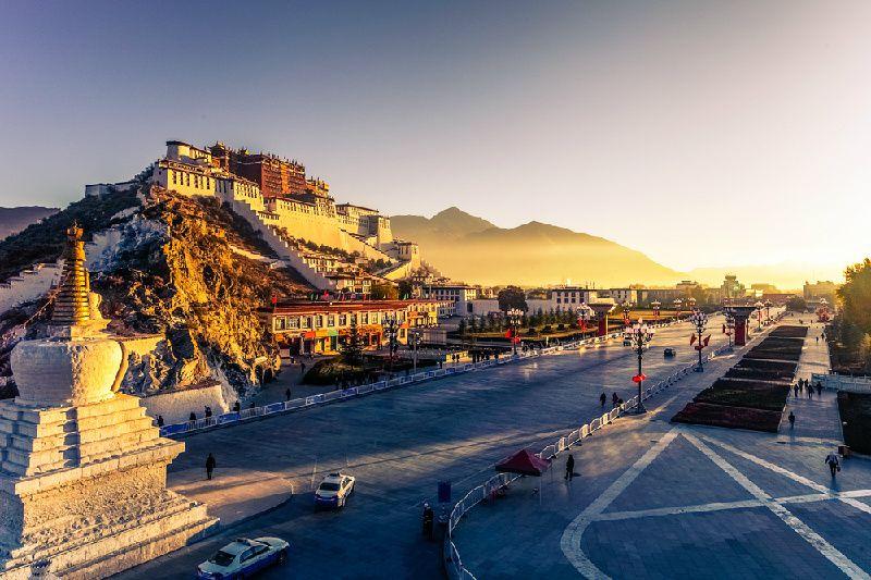 6-Day Lhasa & Namtso Lake Group Tour