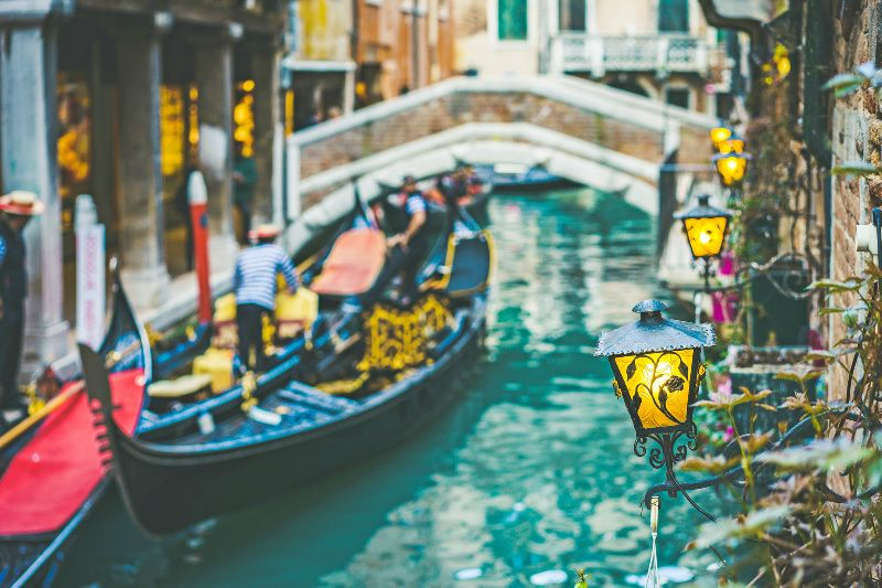 Venice Foodie Experience and Moonlight Gondola Ride