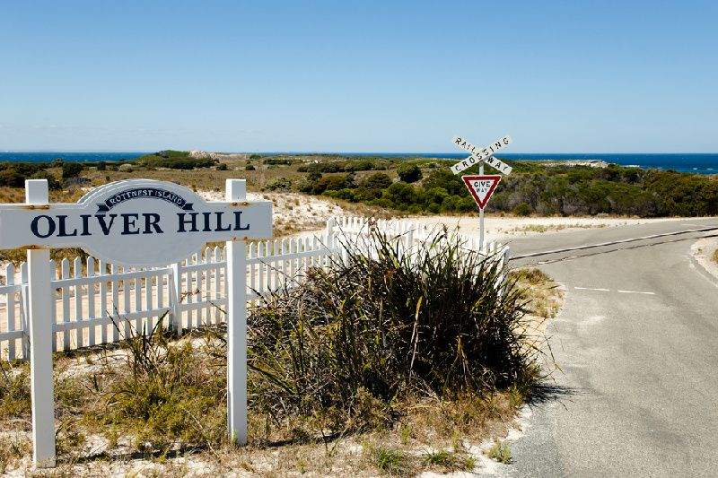 1-Day Oliver Hill Train and Tunnel Package from Perth W/Hotel Transfer