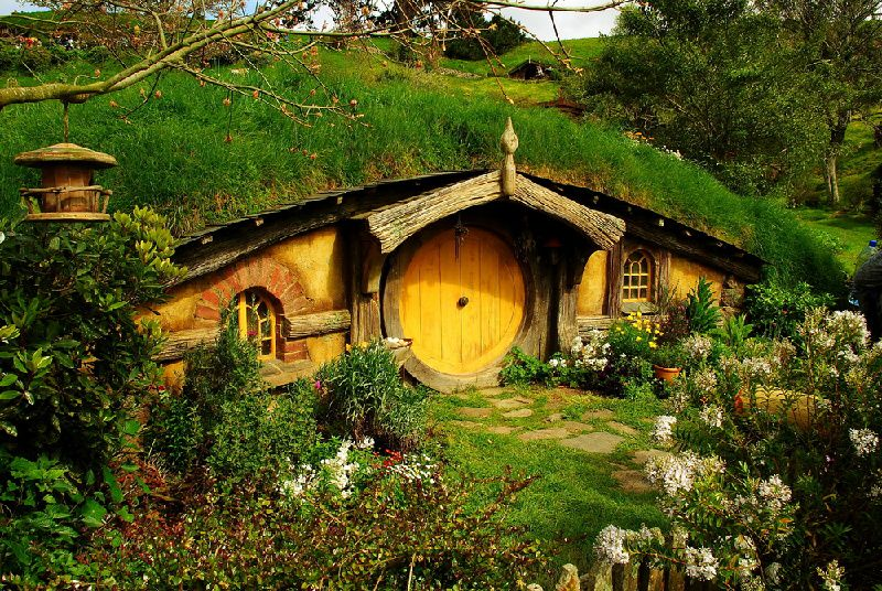 Hobbiton Day Tour from Auckland. First on Set!