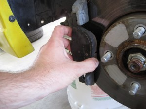 20052007 Ford Focus Front Brake Pad Replacement (2005, 2006, 2007)  iFixit Repair Guide