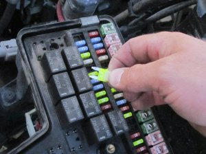 20022008 Dodge Ram 1500 Fuse Replacement (2002, 2003, 2004, 2005, 2006, 2007, 2008)  iFixit