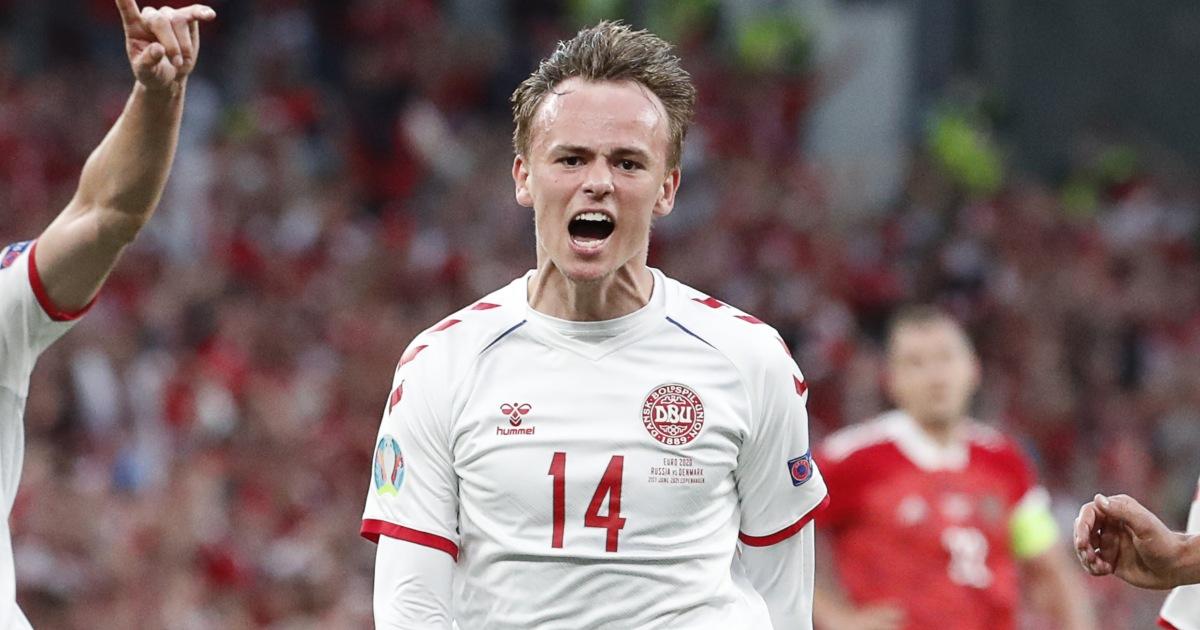 Watch: Spurs target Mikkel Damsgaard scores a screamer for Denmark - Planet  Football