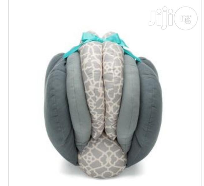 infantino elevate adjustable nursing pillowp